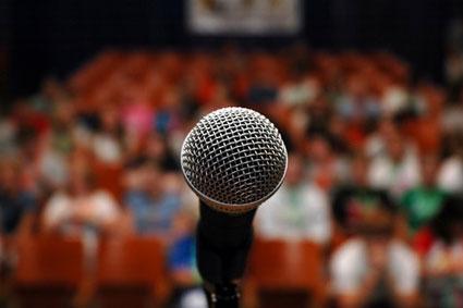 آموزش سخنرانی دربین افراد مهم,آموزش سخنرانی در بین افراد مهم