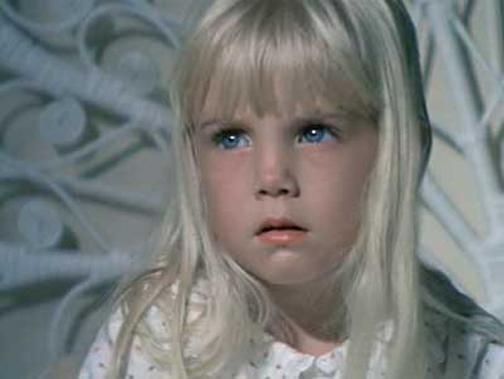 اثرات منفی فیلم ها روی کودکان,فیلم ترسناک چه اثری روی کودکان دارند؟