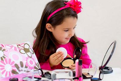 تاثیر آرایش مادر روی فرزند,اثرات آرایش مادر روی کودک