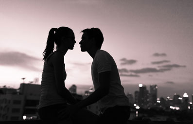 چگونه با همسر خود رابطه جنسی رمانتیک داشته باشیم؟,رابطه جنسی ملایم با همسر,داشتن رابطه جنسی ملایم با همسر