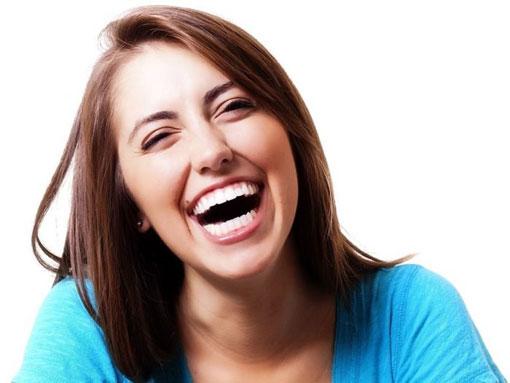 تاثیر خنده های الکی روی انسان