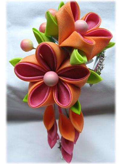 آموزش ساخت گل پارچه ای,گل ساخته شده با روبان