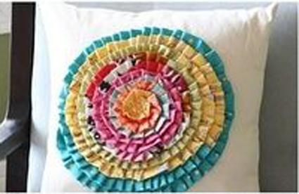 تزئین بالش با گل,دوخت انواع گل روی کوسن,آموزش تصویری گلدوزی