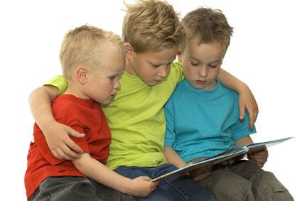 کتاب خوان کردن کودکان,قصه برای کودک,کتاب خواندن برای کودک,نیازهای کودک