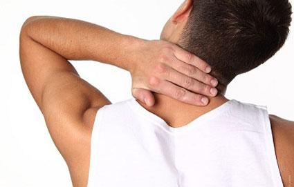 دلیل اصلی گرفتگی عضلات گردن,دلایل گردن درد,دلیل اصلی گردن درد,عامل گردن درد چیست
