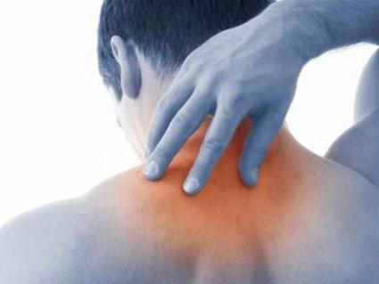 عامل اصلی درد گردن,عامل اصلی گرفتگی عضلات گردن